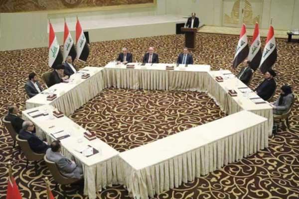 قادة تحالفات العبادي وعلاوي والصدر والحكيم خلال إعلانهم نواة الكتلة الأكبر