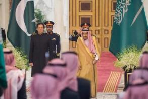 الملك سلمان مستقبلا عمران خان