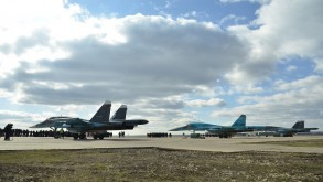 طائرات روسية في قاعدة حميميم على الساحل السوري