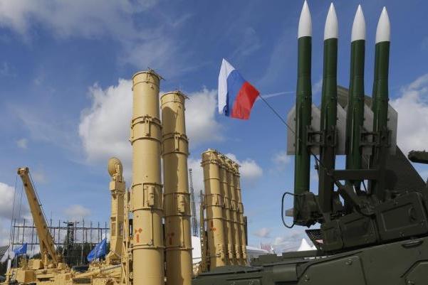 منظومة إس 300 الروسية المضادة للصواريخ إلى سوريا