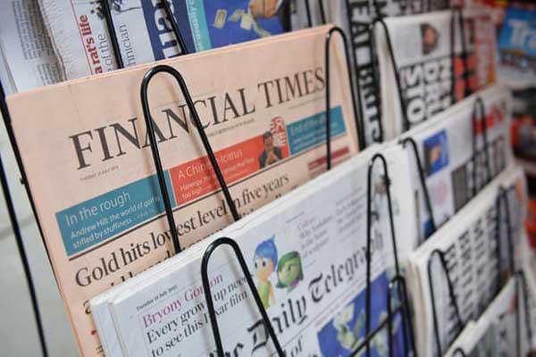 الصحافة البريطانية تستنجد بالسوشيل ميديا لضمان استمراريتها
