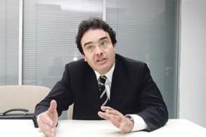عبد الكريم بن عتيق وزير الجالية المغربية بالخارج وشؤون الهجرة