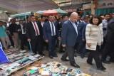 أول رئيس عراقي يتجول في مكان عام في العاصمة منذ 2003