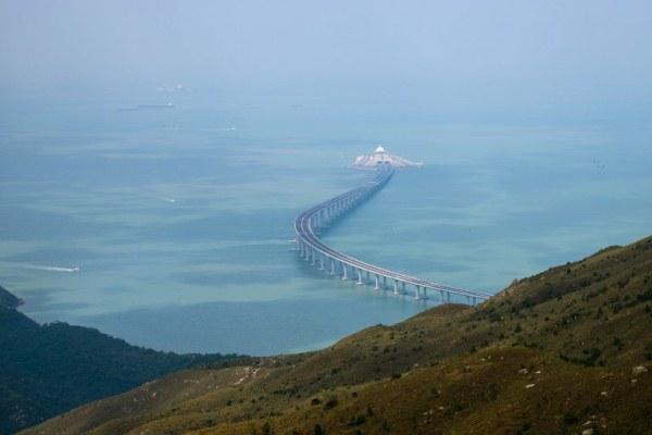 افتتاح جسر هونغ كونغ-جوهاي-ماكاو