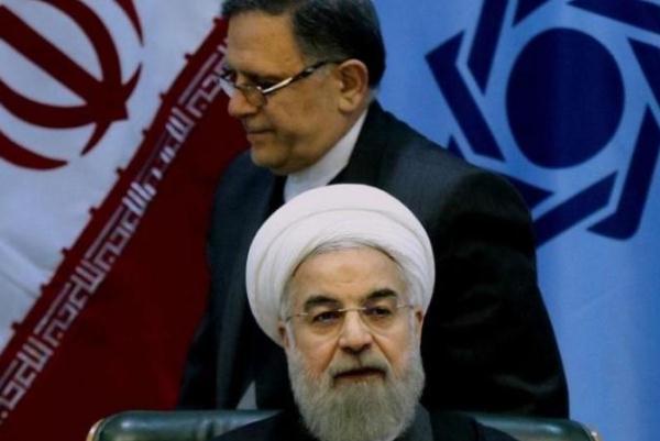 روحاني متحدثا امام مجلس الشوري (أرشيف)