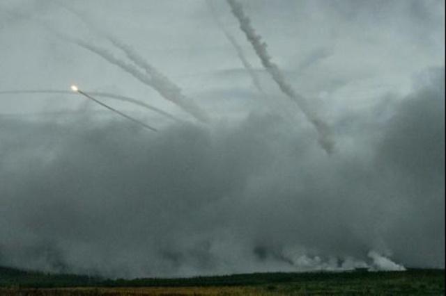 الجيش الروسي يطلق صواريخ أثناء تمارين
