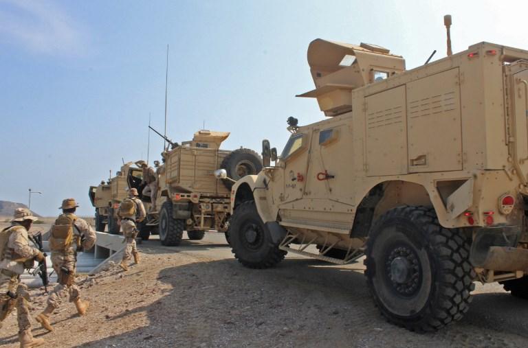 تعزيزات من تحالف دعم الشرعية موجهة للجيش اليمني تصل الى ميناء عدن