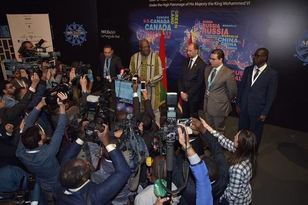 الرئيس البوركينابي كريستيان كابوري يدلي بتصريح للصحافة على هامش منتدى ميدايز