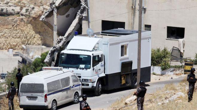 الأمن الأردني يطوق مسرح عملية السلط الارهابية - أرشيفية