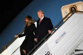 الرئيس الأميركي دونالد ترمب وزوجته ميلانيا عند وصولهما إلى مطار أورلي في باريس بتاريخ 9 نوفمبر 2018