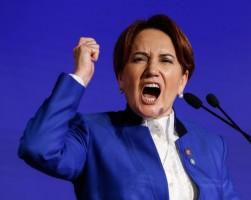 رئيسة حزب الخير التركي المعارض ميرال أكشينار