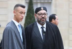 عاهل المغرب وولي عهده في باريس يوم الأحد