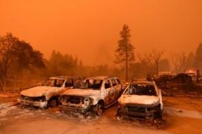 آثار الدمار الذي سببه حريق كاليفورنيا