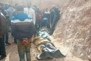 جثث الضحايا الثلاث بعد انتشالها في اقليم جرادة في شرق المغرب