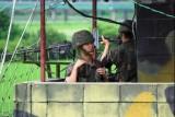 الكوريتان تبدآن بإزالة مواقع مراقبة حدودية