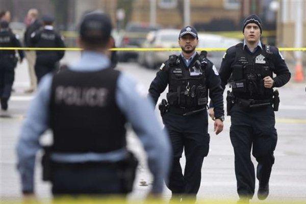 عناصر من الشرطة في شيكاغو