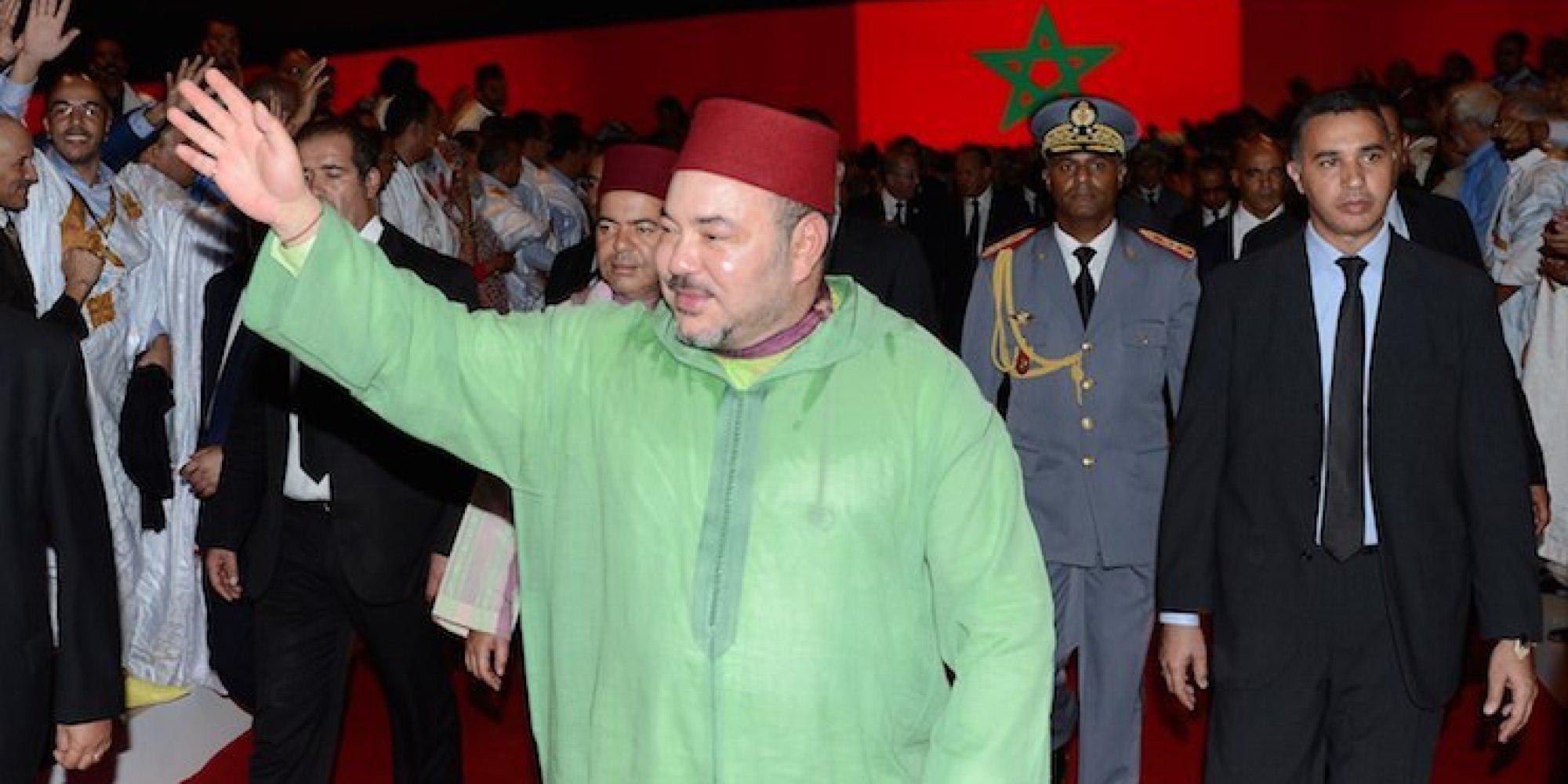 الملك محمد السادس خلال زيارة سابقة له إلى الأقاليم الجنوبية