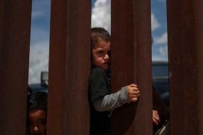 القضاء الأميركي يخذل ترمب وينتصر مبدئيًا للاجئين