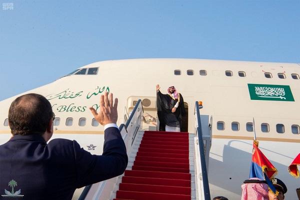 الأمير محمد بن سلمان خلال مغادرته مصر وفي وداعه الرئيس السيسي