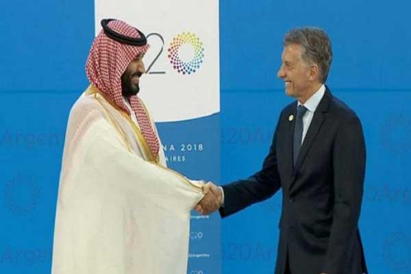 الرئيس الأرجنتيني مستقبلًا ولي العهد السعودي