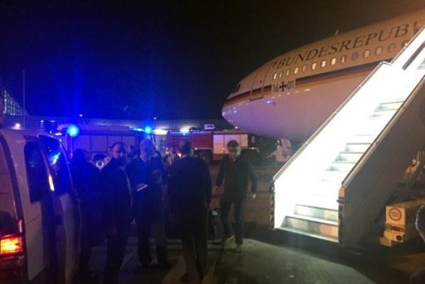 طائرة ميركل بعد الهبوط في كولونيا