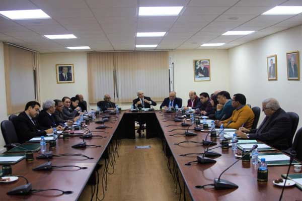 جانب من اجتماع قيادة حزب الاستقلال