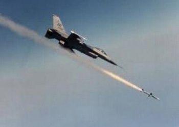 طائرة تركية تقصف مواقع في شمال العراق