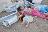 الشتاء يهدد حياة مئات الآلاف من أطفال العراق النازحين