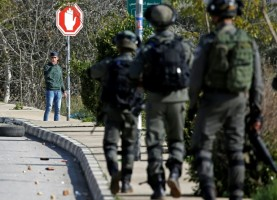 القوات الإسرائيلية تقتل فلسطينياً بالضفة الغربية