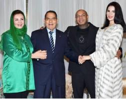 من اليمين: نسرين بن علي والمغني كادوريم ورئيس تونس الاسبق وزوجته ليلى