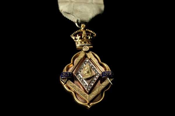 ستضم معارض النجوم جواهر تخص ألبرت إدوارد، أمير ويلز، والابن الأكبر للملكة فيكتوريا والأمير ألبرت