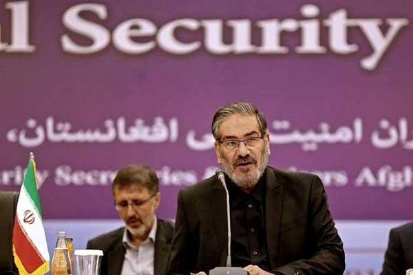 شمخاني متحدثا في المؤتمر الأمني يوم الإثنين