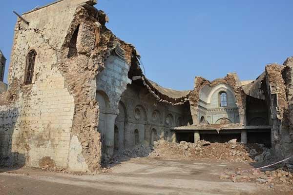 مسؤولو شركة بريطانية متهمون بسرقة موجودات كنائس في الموصل هدمها داعش