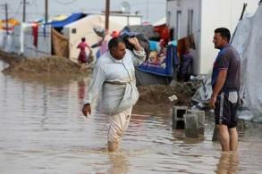مياه الأمطار تغمر مخيمات النازحين في العراق