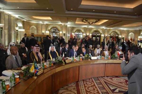 صورة من الاجتماع المشترك للمندوبين الدائمين وكبار المسؤولين في القمة الإقتصادية العربية