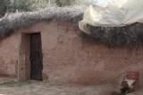 المغرب: توقيف أبوين احتجزا ابنتهما في إسطبل مدة 20 سنة