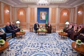 الأمير محمد بن سلمان ومايك بومبيو خلال اللقاء