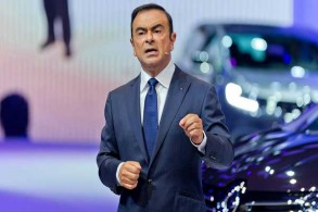 جاء استئناف إطلاق السراح بكفالة مع دعوة الحكومة الفرنسية إلى اختيار بديل من غصن على رأس شركة