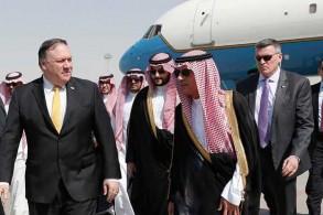 بومبيو خلال جولة له في السعودية