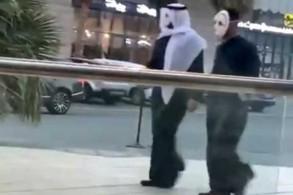 أشخاص يرتدون أقنعة يثيرون هلع الناس في الكويت