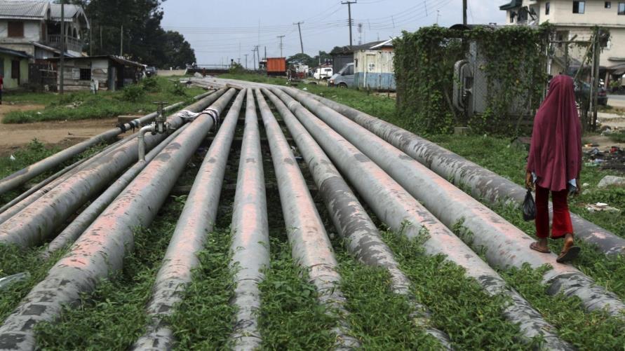 أنابيب لنقل الغاز الطبيعي في شمال نيجيريا