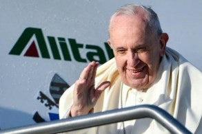 البابا فرنسيس يغادر إلى بنما لمناسبة الأيام العالمية للشبيبة