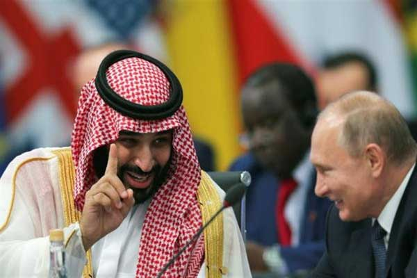 الرئيس الروسي فلاديمير بوتين خلال لقاء جمعه بالأمير محمد بن سلمان