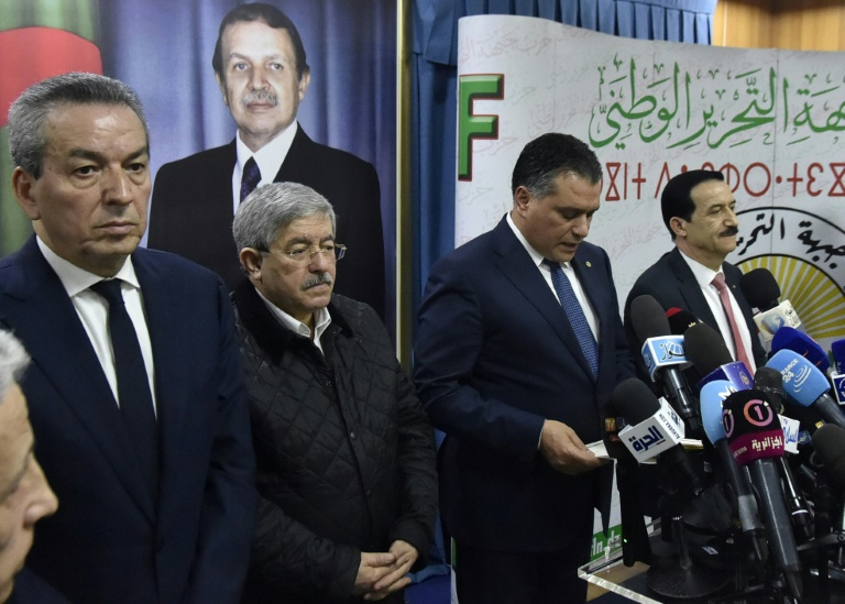 قادة أحزاب التحالف الرئاسي في الجزائر بعد اجتماعهم في العاصمة الجزائرية في 2 فبراير 2019