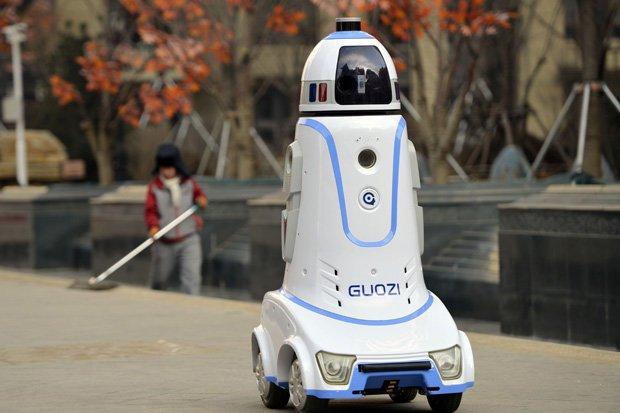 الروبوتات ستزيح كثيرا من العمّال من وظائفهم