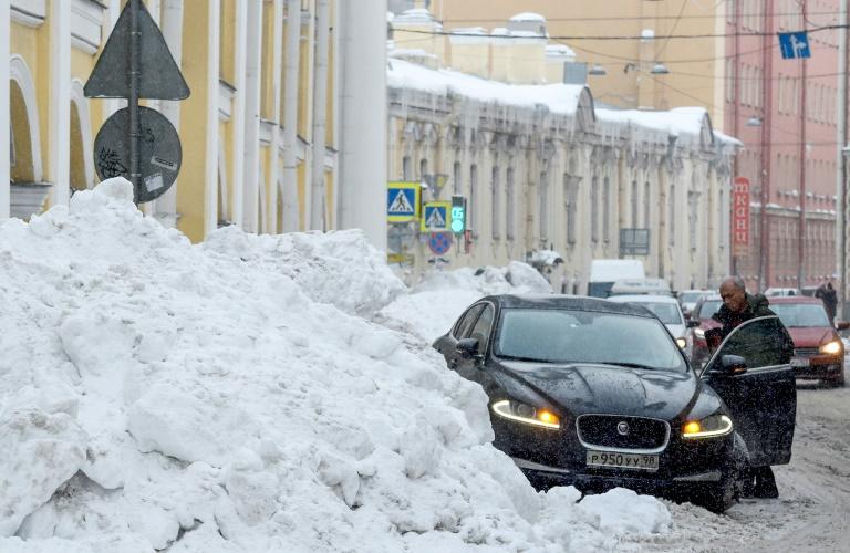 أحد طرقات سان بطرسبورغ في 6 فبراير 2019 بعد تساقط كميات كبيرة من الثلوج