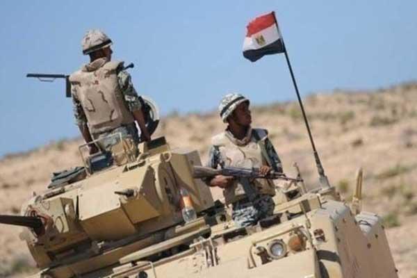 جنديان من الجيش المصري في سيناء