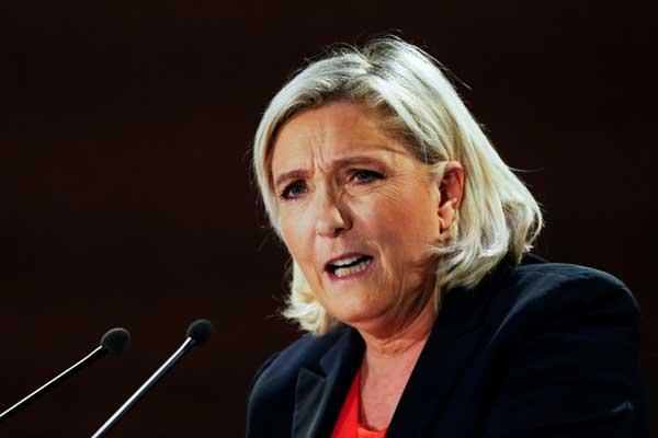زعيمة حزب التجمع الوطني اليميني المتطرف في فرنسا خلال لقاء لحملتها الانتخابية للانتخابات الأوروبية في 9 فبراير 2019