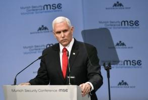 بنس متحدثا أمام مؤتمر الأمن في ميونيخ