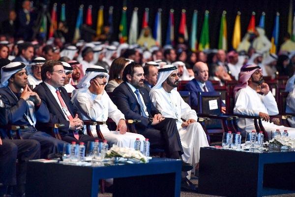 الحريري إلى جانب الشيخ محمد بن راشد خلال فعاليات القمة العالمية للحكومات